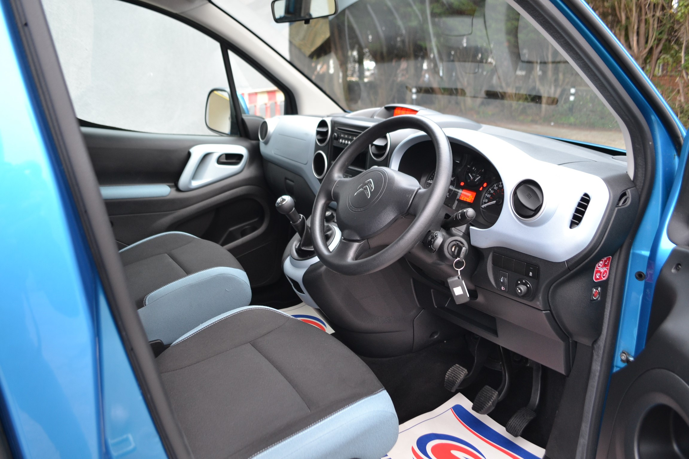 Wheelchair WAV Car Bristol Somerset Bath Devon Cornwall Disabled Access Vehicle Citroen Berlingo