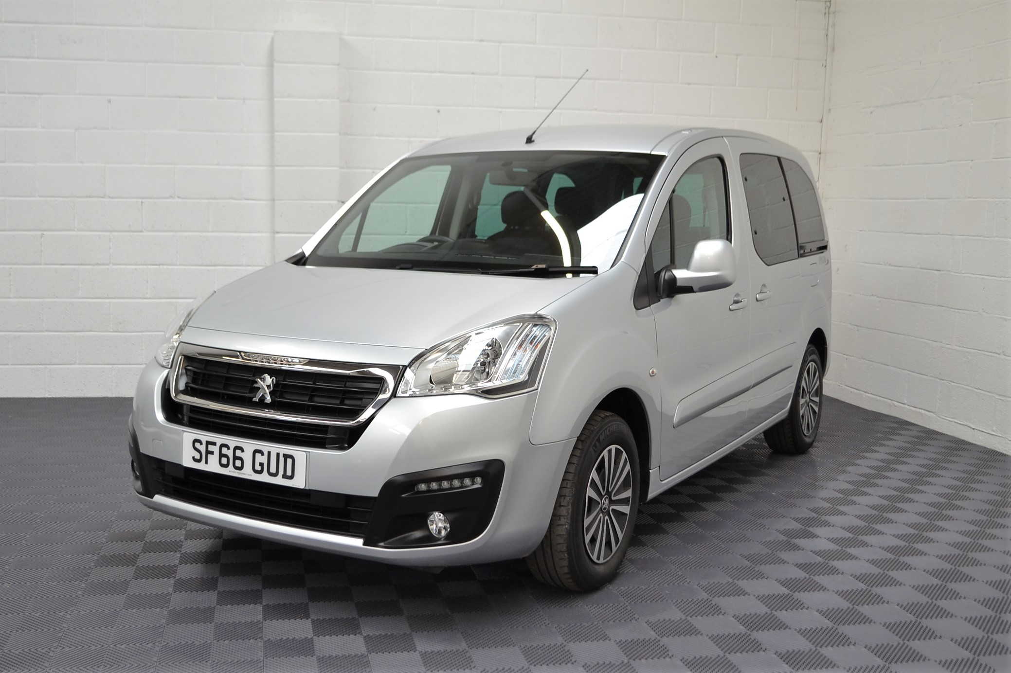 WAV Cars For Sale Bristol Wheelchair Accessible Vehicles Used For Sale Somerset Devon Dorset Bath Peugeot Partner Automatic 5