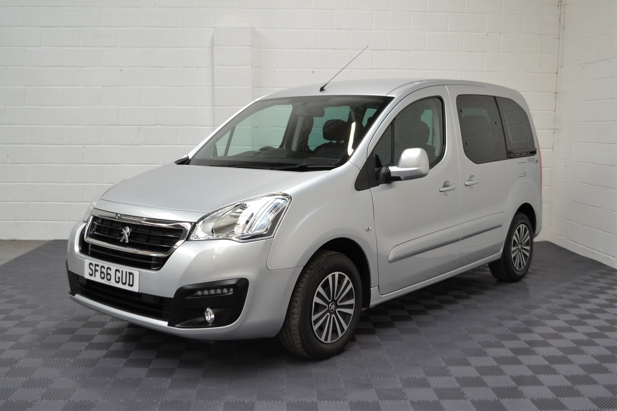 WAV Cars For Sale Bristol Wheelchair Accessible Vehicles Used For Sale Somerset Devon Dorset Bath Peugeot Partner Automatic 6