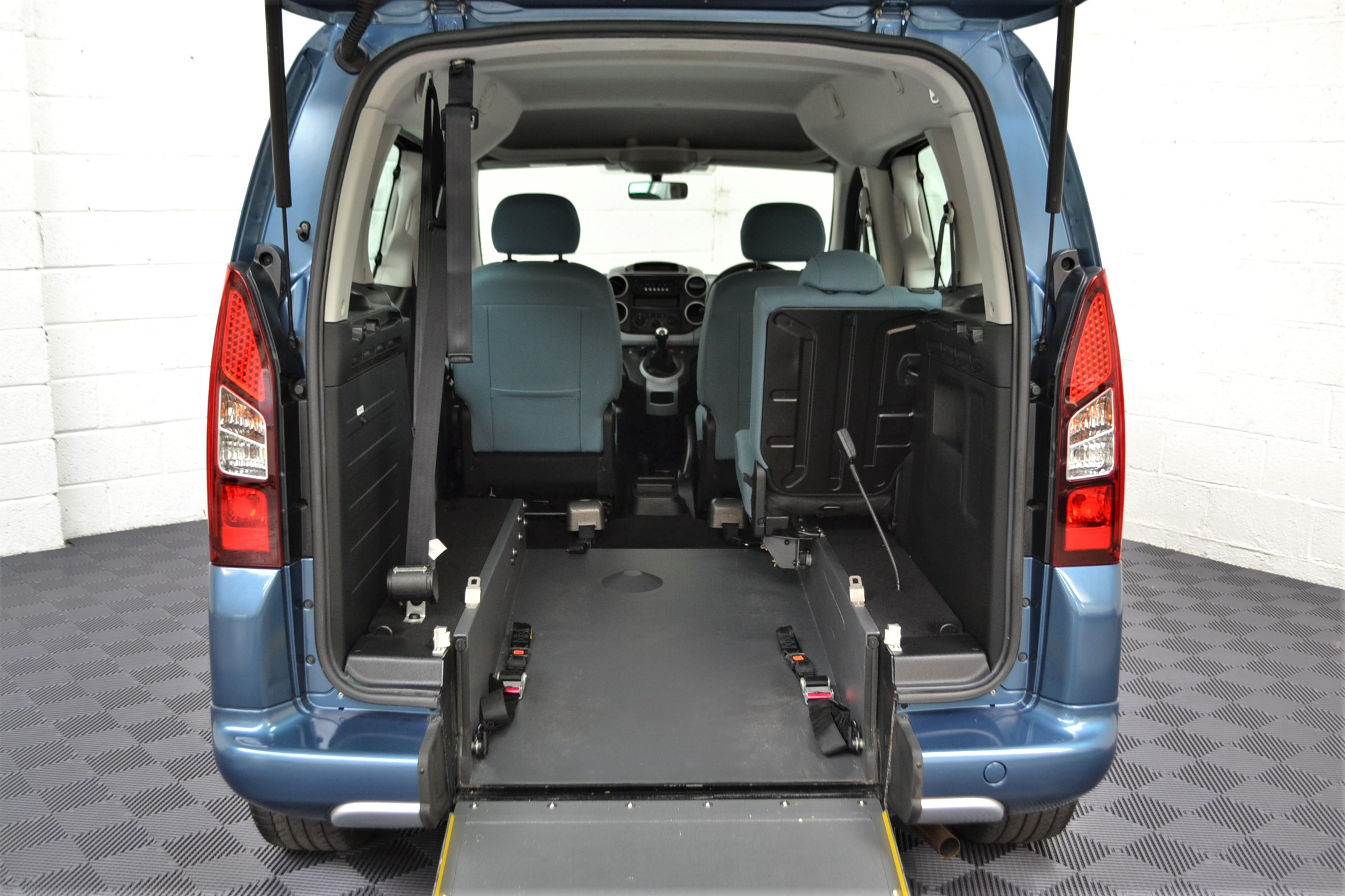 WAV Cars For Sale Bristol Wheelchair Accessible Vehicles Used For Sale Somerset Devon Dorset Bath Citroen Berlingo WA14 JYS 8