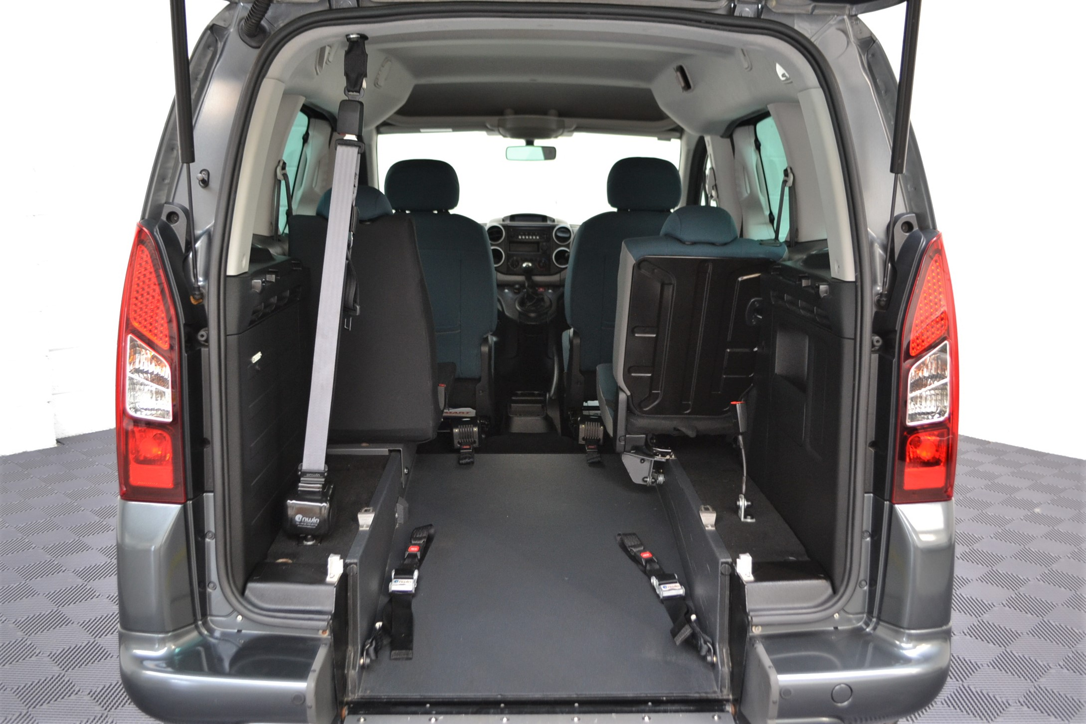 Disabled Cars For Sale Bristol Wheelchair Accessible Vehicles Used For Sale Somerset Devon Dorset Bath Peugeot Partner WA68 EVU 13