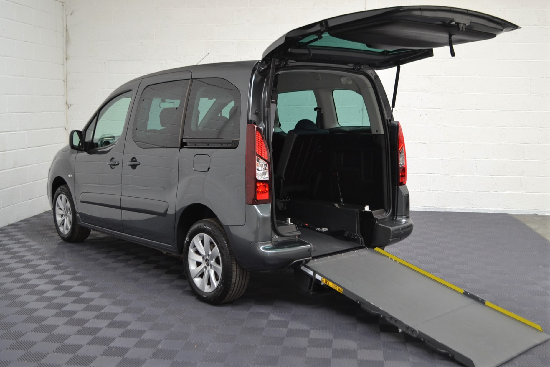 Disabled Cars For Sale Bristol Wheelchair Accessible Vehicles Used For Sale Somerset Devon Dorset Bath Peugeot Partner WA68 EVU 14