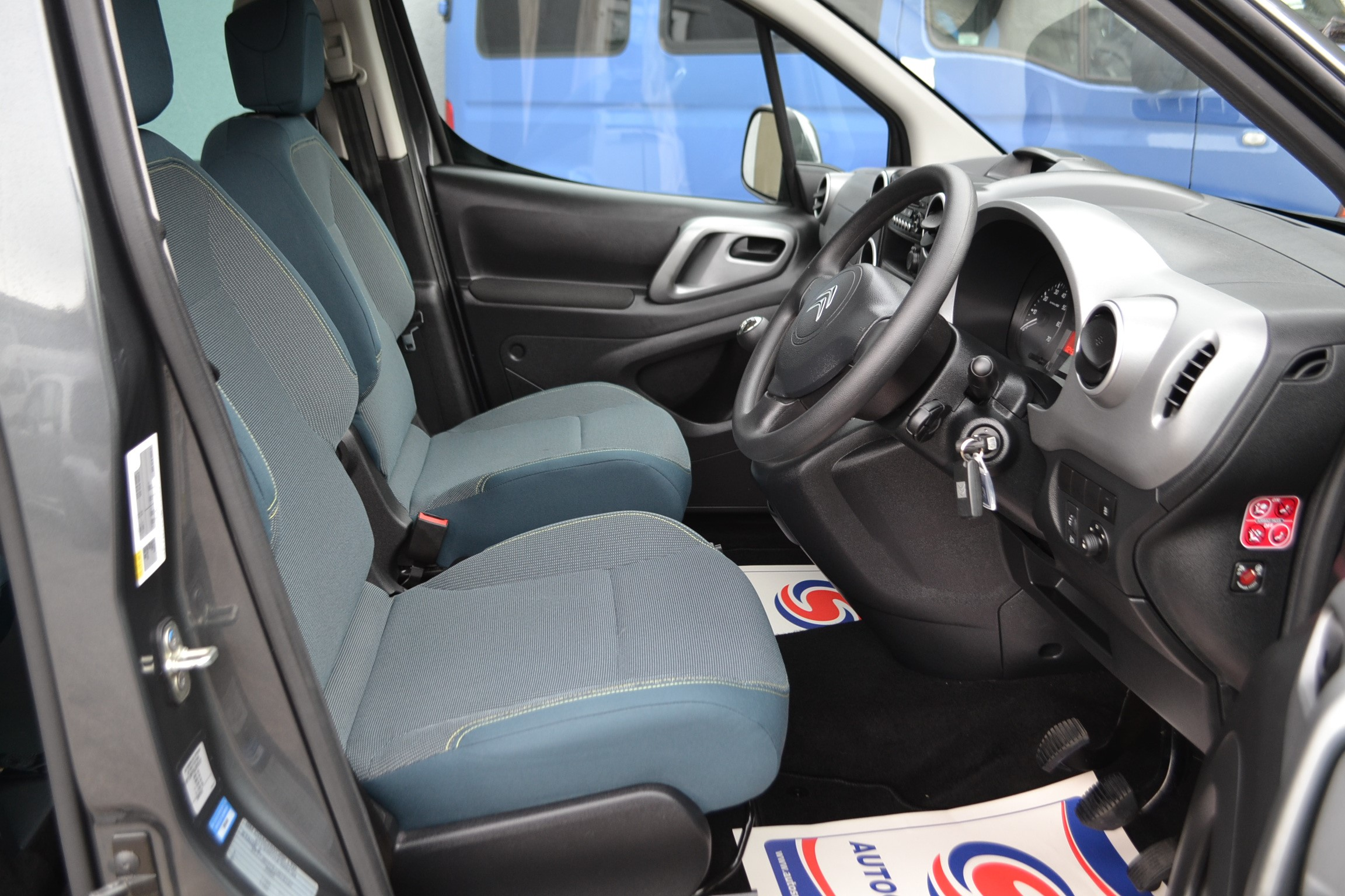 Disabled Cars For Sale Bristol Wheelchair Accessible Vehicles Used For Sale Somerset Devon Dorset Bath Peugeot Partner WA68 EVU 17