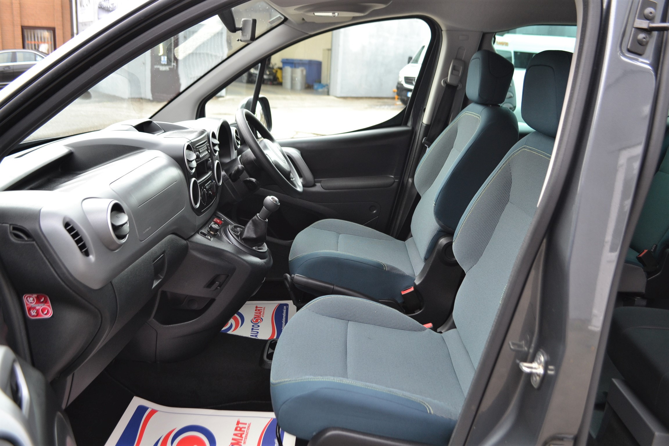 Disabled Cars For Sale Bristol Wheelchair Accessible Vehicles Used For Sale Somerset Devon Dorset Bath Peugeot Partner WA68 EVU 21