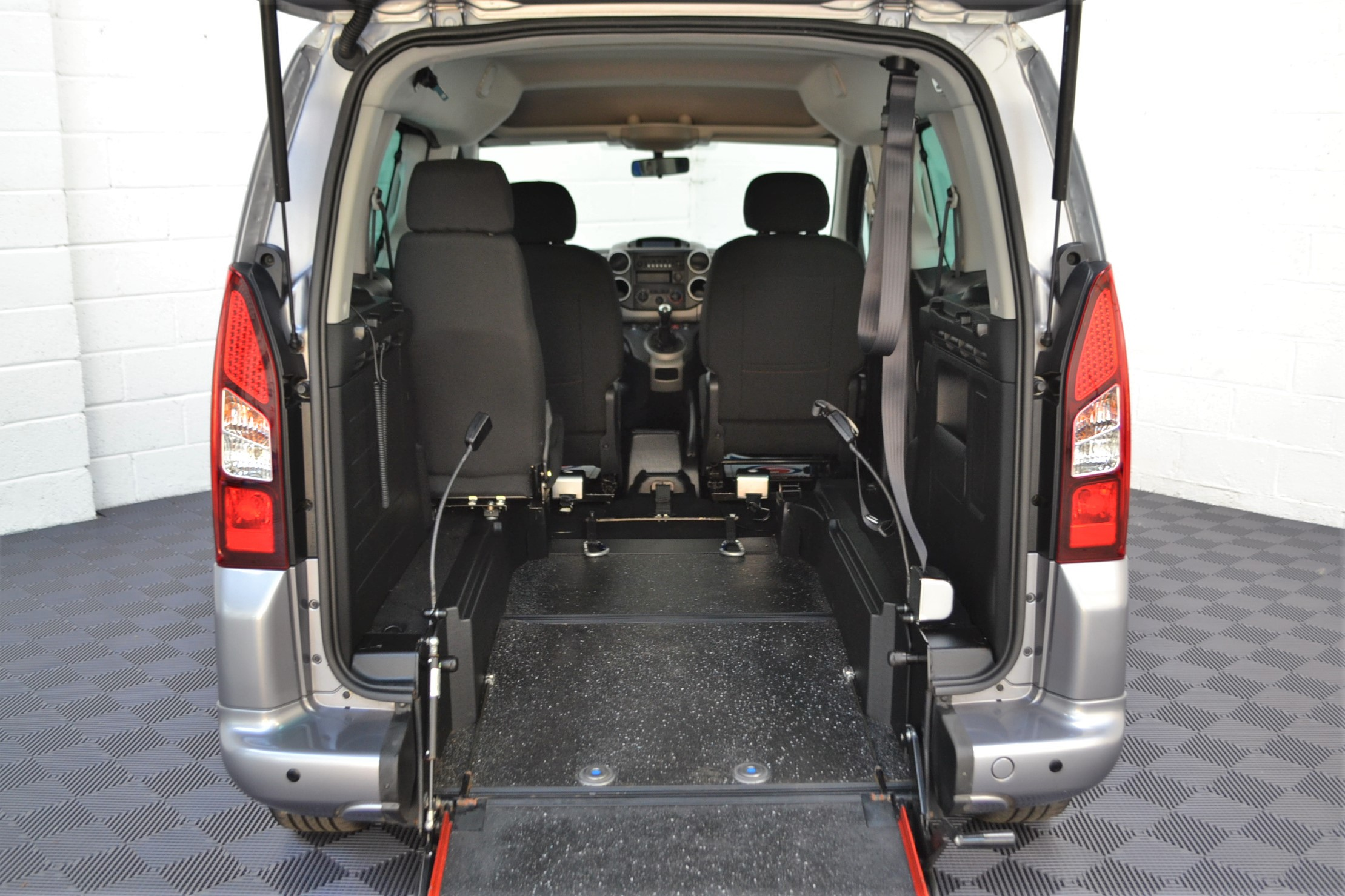 WAV Cars For Sale Bristol Wheelchair Accessible Vehicles Used For Sale Somerset Devon Dorset Bath Peugeot Partner SD17 OZL 9