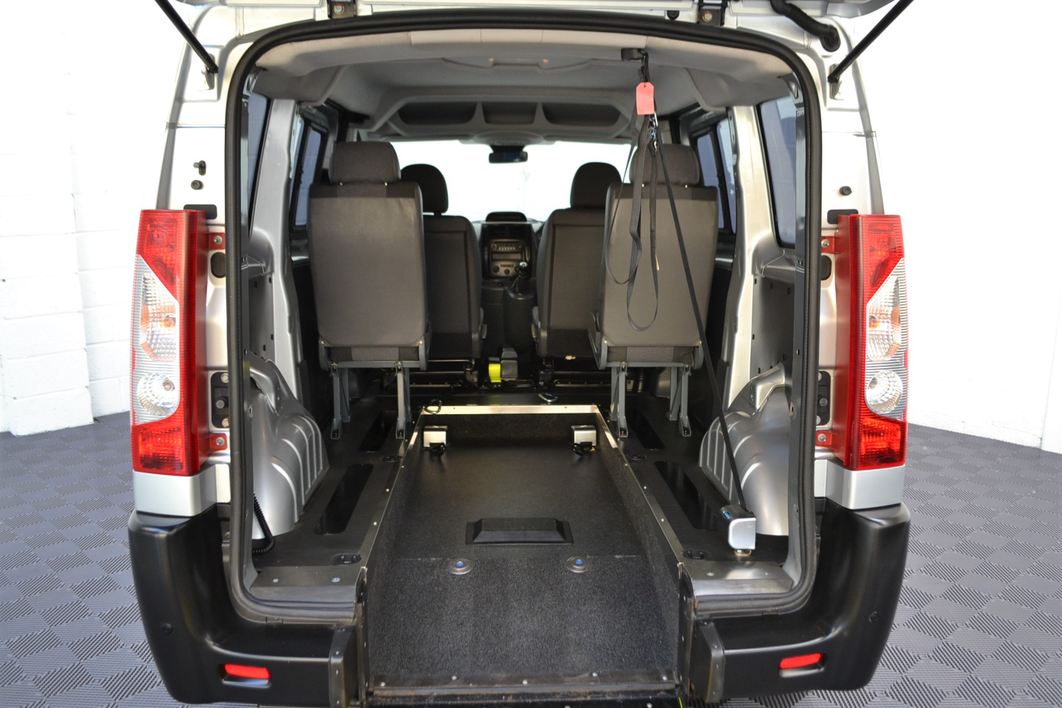 Disabled Cars For Sale Bristol Wheelchair Accessible Vehicles Used For Sale Somerset Devon Dorset Bath Peugeot Expert SF13 LRZ 10