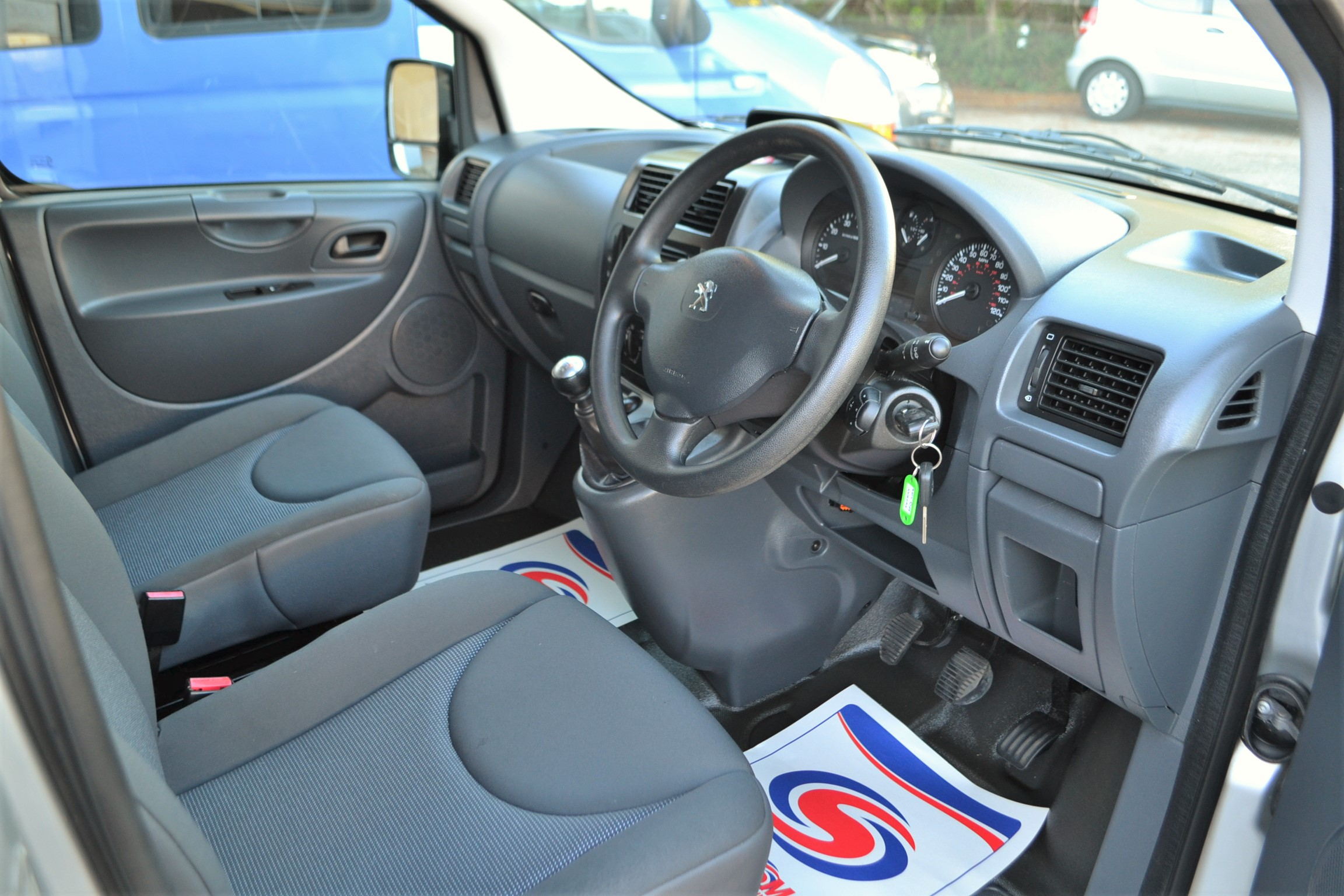 Disabled Cars For Sale Bristol Wheelchair Accessible Vehicles Used For Sale Somerset Devon Dorset Bath Peugeot Expert SF13 LRZ 18